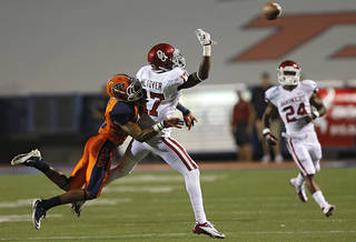 Oklahoma Sooners wide receiver Trey Metoyer (17) misses the pass while defended on by UTEP's Drew Thomas (10) during the college football game between the University of Oklahoma Sooners (OU) and the University of Texas El Paso Miners (UTEP) at Sun Bowl Stadium on Saturday, Sept. 1, 2012, in El Paso, Texas. Photo by Chris Landsberger, The Oklahoman