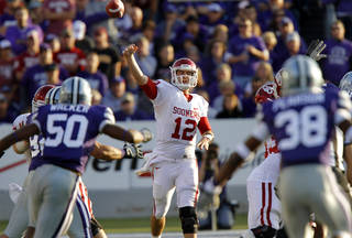 Oklahoma Sooners' Landry Jones (12) throws the ball during the college football game between the University of Oklahoma Sooners (OU) and the Kansas State University Wildcats (KSU) at Bill Snyder Family Stadium on Saturday, Oct. 29, 2011. in Manhattan, Kan. Photo by Chris Landsberger, The Oklahoman ORG XMIT: KOD