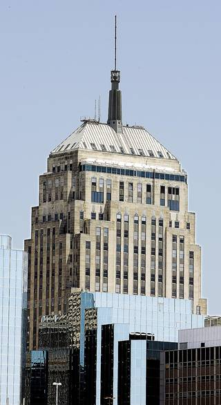 BUILDING EXTERIOR, FIRST NATIONAL CENTER: West side of First National Tower, 120 N Robinson, in downtown Oklahoma City Friday, May 12, 2006. By Paul B. Southerland, The Oklahoman