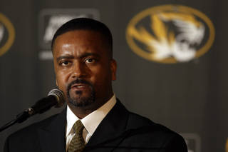 New University of Missouri head basketball coach Frank Haith is introduced during a news conference Tuesday, April 5, 2011, in Columbia, Mo. Haith comes to Missouri after seven seasons as head coach at the University of Miami. (AP Photo/Jeff Roberson) ORG XMIT: MOJR101