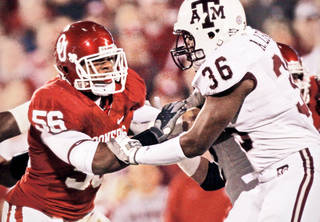"""OU linebacker Ronnell Lewis, who has developed a reputation for delivering hard hits, is nicknamed, """"The Hammer."""" PHOTO BY CHRIS LANDSBERGER, THE OKLAHOMAN"""
