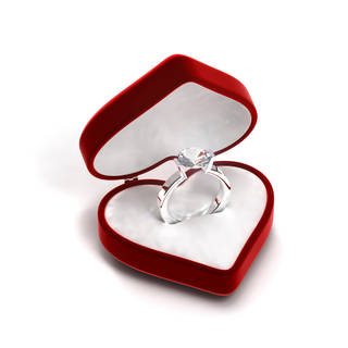 According to a survey earlier this year, 1 in 5 women are left disappointed by their man's proposals, Daily Mail reported, with one of the main reasons being the lack of a diamond ring. (©istockphoto.com/evirgen)