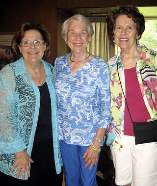 Gayle Semtner, Kris Frankfurt, Susie Nelson. PHOTO BY HELEN FORD WALLACE, FOR THE OKLAHOMAN