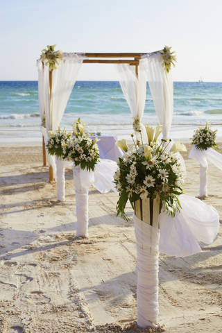 The expected cost of a wedding makes many people resentful toward the idea of marriage, but the ceremony doesn't have to be a costly affair.
