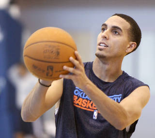 OKLAHOMA CITY THUNDER NBA BASKETBALL: New Thunder player Kevin Martin practices at the Integris Health Thunder Practice Facility in Oklahoma City, OK, Monday, October 29, 2012, By Paul Hellstern, The Oklahoman