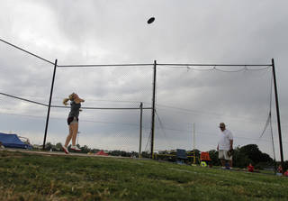 HIGH SCHOOL TRACK AND FIELD: Marly Barney, of Velma High School, participates in girls discus during a track meet at Carl Albert High School in Midwest City, Friday, May 4, 2012. Photo by Garett Fisbeck, For The Oklahoman