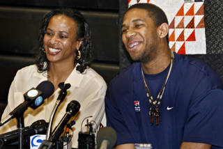 ANNOUNCE / ANNOUNCEMENT / BARBARA HENRY: Putnam City's Xavier Henry and his mom Barbara laugh as they address questions from the media during a press conference where he announced that he will play college basketball at the University of Kansas on Thursday, April 23, 2009, in Oklahoma City, Okla. Photo by Chris Landsberger, The Oklahoman