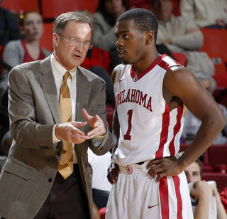 ORAL ROBERTS UNIVERSITY / OU / ORU: Oklahoma coach Lon Kruger talks with Oklahoma's Sam Grooms (1) during an NCAA men's college basketball game between the University of Oklahoma Sooners (OU) and the Oral Roberts Golden Eagles at the Lloyd Noble Center on Thursday, Dec. 8, 2011, in Norman, Okla. Photo by Bryan Terry, The Oklahoman