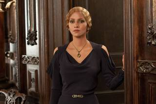 "Halle Berry plays Jocasta Ayrs, a German-Jewish trophy wife, in one of the six intersecting stories told in the movie ""Cloud Atlas."" Warner Bros. Pictures photo"