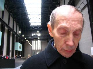 Edward Willmoth in the Tate Modern museum, London, in 2006. (Amy Choate-Nielsen)