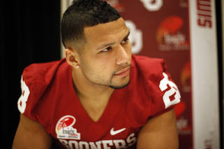 OU / COLLEGE FOOTBALL: Oklahoma Sooners's Travis Lewis (28) talks with the media during a University of Oklahoma media day for the Insight Bowl at the Camelback Inn in Paradise Valley, Ariz., Wednesday, Dec. 28, 2011. Photo by Sarah Phipps, The Oklahoman