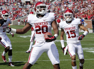 University of Oklahoma player Frank Shannon scores a touchdown April 13 during the annual spring game at Gaylord Family — Oklahoma Memorial Stadium in Norman. Photo by Steve Sisney, The Oklahoman