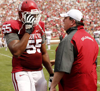 Bill Bedenbaugh talks with Josiah St John during the Spring College Football Game of the University of Oklahoma Sooners (OU) at Gaylord Family-Oklahoma Memorial Stadium in Norman, Okla., on Saturday, April 12, 2014. Photo by Steve Sisney, The Oklahoman
