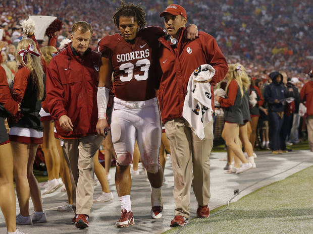 photo - Trey Millard suffered a season-ending knee injury Oct. 26 against Texas Tech.    Photo by Bryan Terry,  The Oklahoman