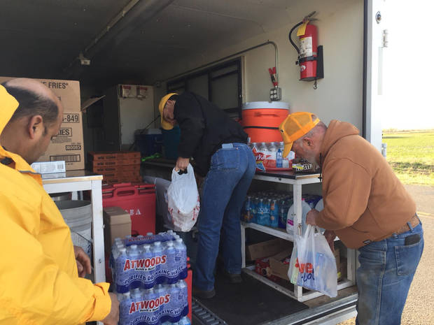 Oklahoma Baptist Disaster Relief volunteers gather water and other items to bring to firefighters working in western Oklahoma. [Photo provided by Oklahoma Baptist Disaster Relief]