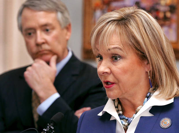 photo - Gov. Mary Fallin explains why she vetoed a measure that would have relaxed state reading standards for third-graders. PHOTO BY JIM BECKEL, THE OKLAHOMAN