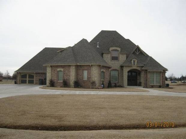 photo - Oklahoma County District Judge Tammy Bass-LeSure and her husband own this $456,072 home in northeast Oklahoma City.
