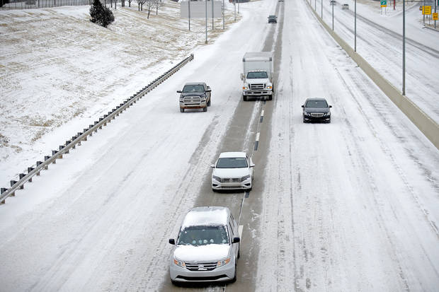 Cars travels east on the Kilpatrick Turnpike in Oklahoma City, Sunday, Feb. 14, 2021. Photo by Sarah Phipps, The Oklahoman