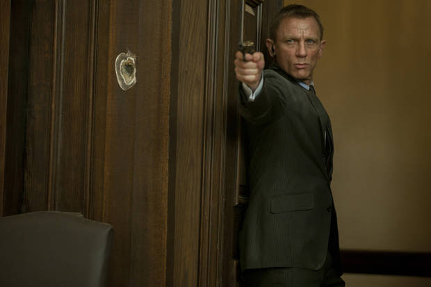 "photo - Daniel Craig stars as James Bond in Metro-Goldwyn-Mayer Pictures/Columbia Pictures/EON Productions' action adventure ""Skyfall."" (Francois Duhamel/Courtesy Columbia Pictures/MCT)"