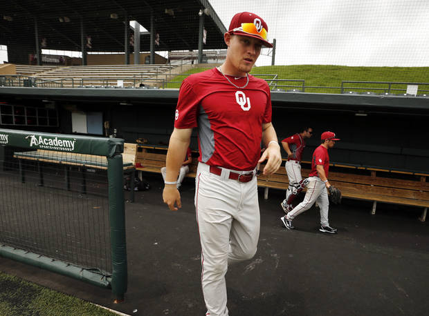 photo - COLLEGE BASEBALL / NCAA REGIONAL TOURNAMENT: Infielder Matt Oberste comes out to speak to the media as the University of Oklahoma (OU) Sooner baseball team prepares for the NCAA Regional Baseball tournament on Tuesday, May 28, 2013 in Norman, Okla. Photo by Steve Sisney, The Oklahoman