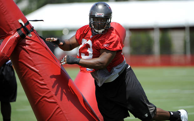 photo - Tampa Bay Buccaneers defensive tackle Gerald McCoy works out during NFL football training camp Saturday, July 30, 2011, in Tampa, Fla. (AP Photo/Brian Blanco) ORG XMIT: FLBB114