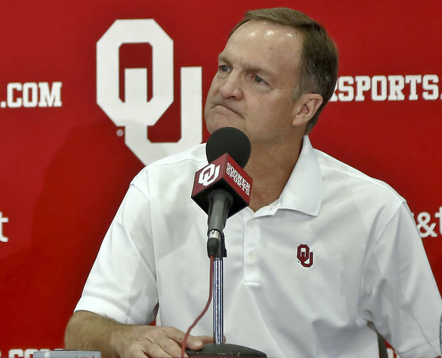 photo - UNIVERSITY OF OKLAHOMA COLLEGE BASKETBALL: Coach Lon Kruger talks during the OU men's basketball media day on Monday, Oct. 29, 2012, in Norman, Okla. Photo by Chris Landsberger, The Oklahoman