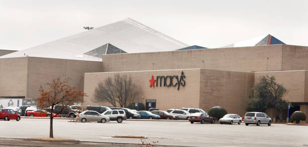 photo - Crossroads Mall in 2007. PHOTO BY STEVE SISNEY, THE OKLAHOMAN