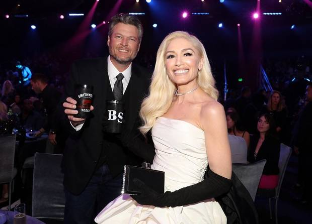 Blake Shelton and Gwen Stefani appear during the 2019 E! People's Choice Awards held at the Barker Hangar on November 10, 2019. [Photo by Christopher Polk/E! Entertainment]
