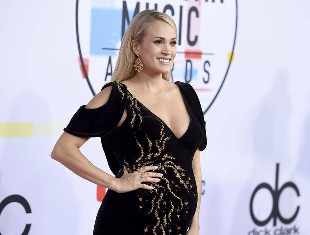 Carrie Underwood arrives at the American Music Awards on Tuesday, Oct. 9, 2018, at the Microsoft Theater in Los Angeles. AP photo