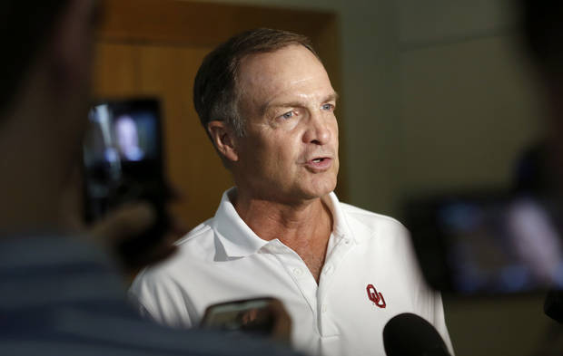 photo - UNIVERSITY OF OKLAHOMA / OU / COLLEGE FOOTBALL: Oklahoma men's basketball coach Lon Kruger talks with the media during the Sooner Caravan stop at the National Cowboy & Western Heritage Museum  in Oklahoma City, Wednesday, August 1, 2012. Photo by Bryan Terry, The Oklahoman