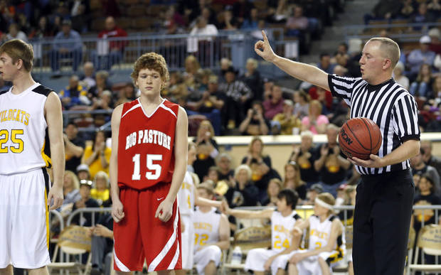 photo - Jason Frantz officiates a free throw during the Class B Boys semi-final game of the state high school basketball tournament between Big Pasture and Arnett at the State Fair Arena., Friday, March 1, 2013. Photo by Sarah Phipps, The Oklahoman