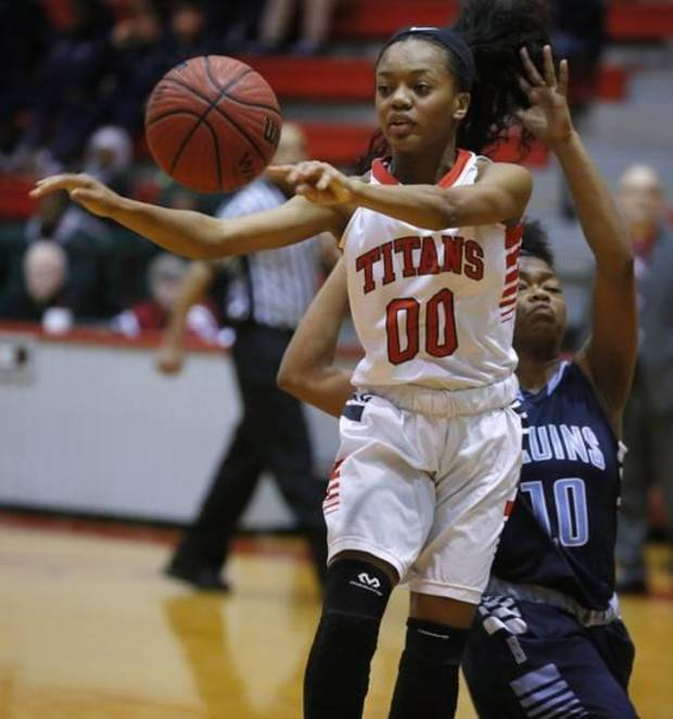 High school girls basketball: Shamika Smith's energy propels Carl Albert, earns Oklahoman's Player of Week honor