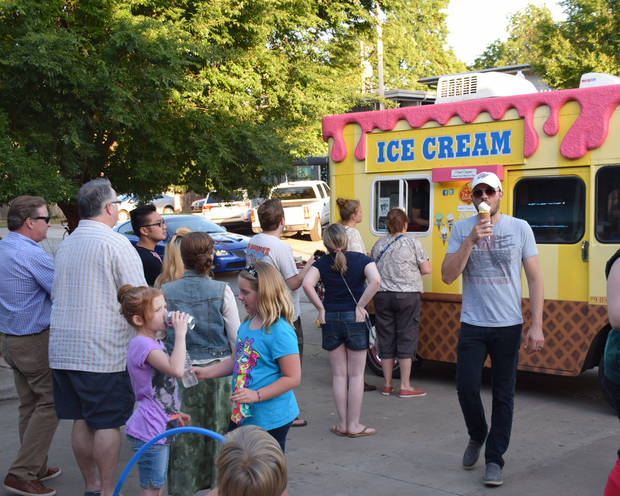 photo - Food truck fans line up at Roxy's Ice Cream Social during last month's LIVE on the Plaza along the 16th Street Plaza District.    Photo by NewsOK contributor  K. Mennem  Picasa