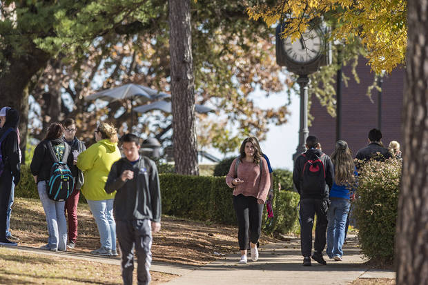 Students on the campus of Southeastern Oklahoma State University in Durant in November 2017. [Photo by Dan Hoke/Southeastern]