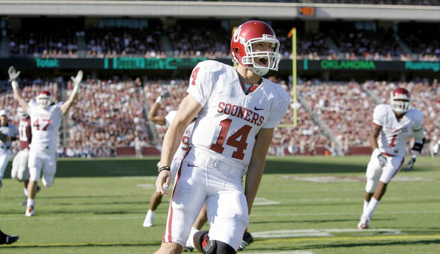 photo - Quarterback Sam Bradford and the OU offense are averaging 62 points over the last three games.Photo BY BRYAN TERRY, THE OKLAHOMAN
