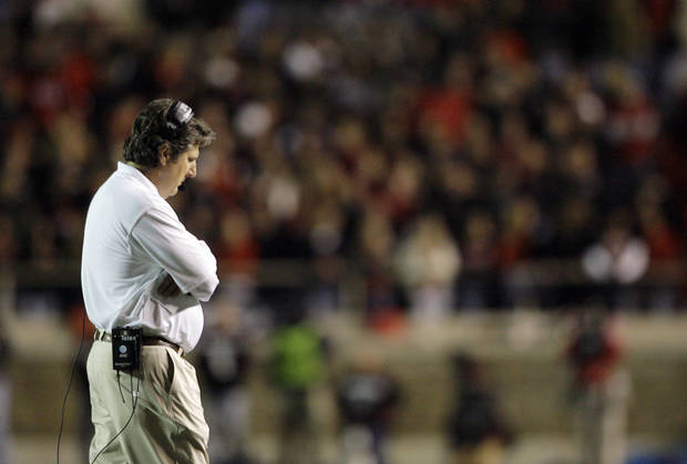 photo - There are no winners in the Mike Leach fiasco at Texas Tech. AP PHOTO