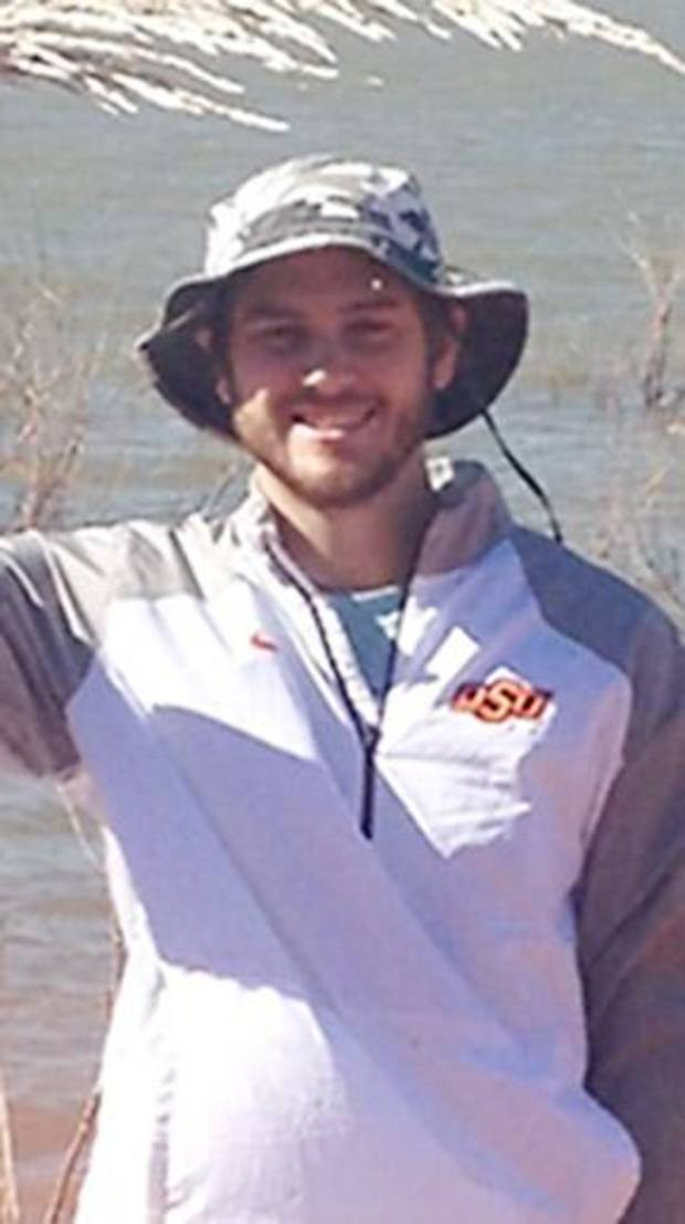 Midwest City police, volunteers still searching for Arkansas man