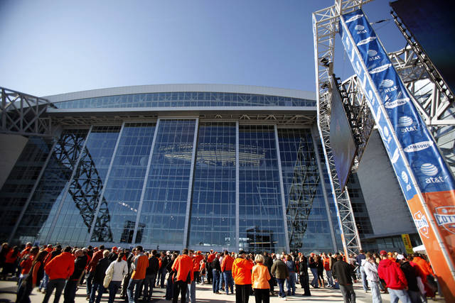 UNIVERSITY OF MISSISSIPPI: Fans congregate outside Cowboys Stadium before the Cotton Bowl Classic college football game between Oklahoma State University (OSU) and Ole Miss in Arlington, Texas, Saturday, January 2, 2010. Photo by Sarah Phipps, The Oklahoman ORG XMIT: KOD