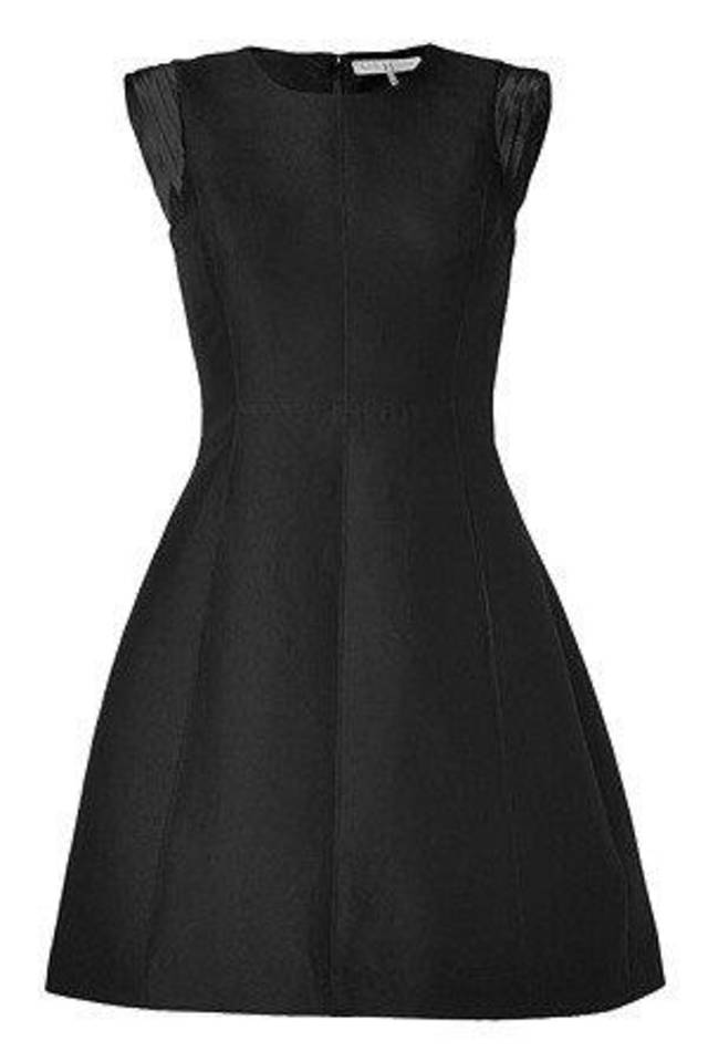 This Halston little black dress is a great option for holiday parties. The cap sleeves lend themselves to either somber or celebratory gatherings. Photo provided. <strong></strong>