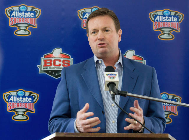 Oklahoma coach Bob Stoops needs consistency at quarterback in 2014. (AP Photo/Rusty Costanza)