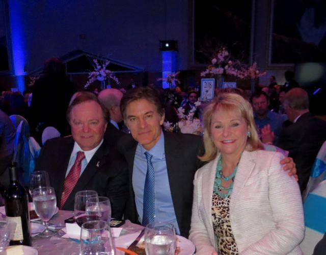 Harold Hamm, Dr. Mehmet Oz and Gov. Mary Fallin were at the event. Hamm, David L. Boren and Masters of Ceremony Burns Hargis were special presenters. (Photo by Helen Ford Wallace).