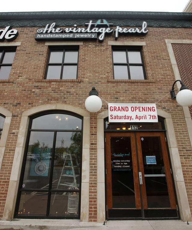 The Vintage Pearl in Edmond. <strong>DOUG HOKE - THE OKLAHOMAN</strong>