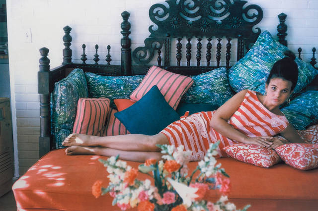 Lilly Pulitzer in her Palm Beach home.    (PRNewsFoto/Leslie Hindman Auctioneers)