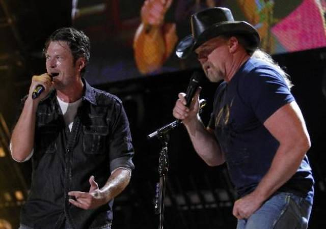Blake Shelton, left, and Trace Adkins