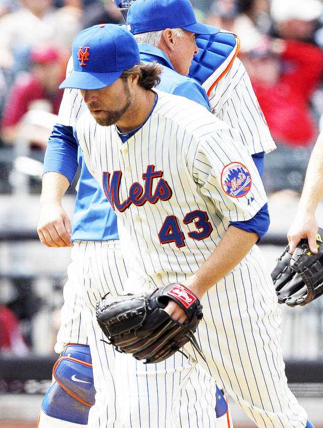 Mets pitcher R.A. Dickey is honest about his team&acirc;s woes. AP photo
