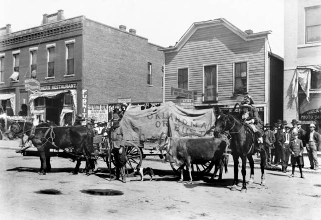HISTORIC EARLY DAYS / OKLAHOMA CITY, OK / STREET SCENES / PARADES: Oklahoma City - Early Days - Parades.  (Back of photo is dated 1907).
