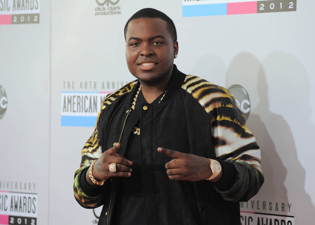 Sean Kingston arrives at the 40th Anniversary American Music Awards on Sunday Nov. 18, 2012, in Los Angeles. (Photo by Jordan Strauss/Invision/AP)