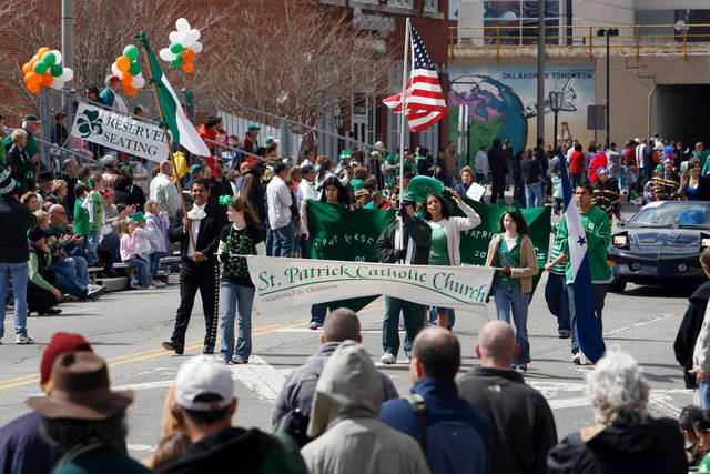 Sunny weather greets the participants and attendees at the St. Patrick's Day Parade in downtown Oklahoma City, Oklahoma on Saturday, March 15, 2008.    BY STEVE SISNEY, THE OKLAHOMAN ORG XMIT: KOD