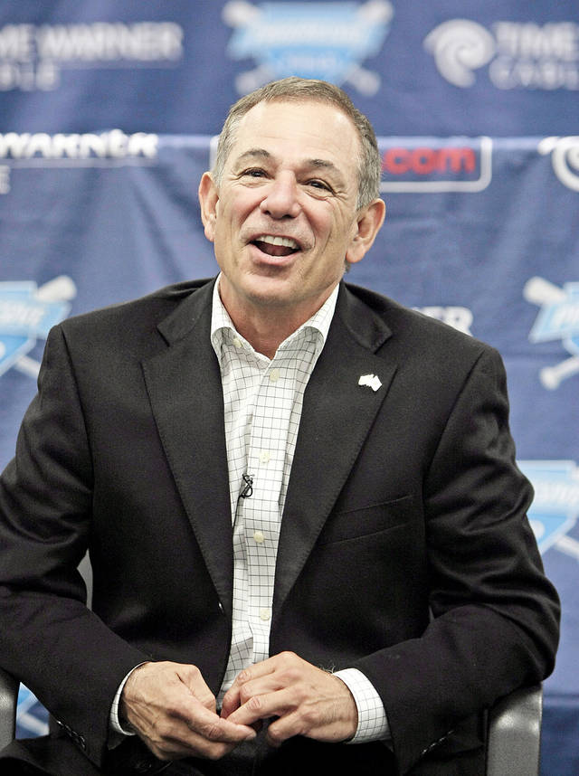 Former Mets manager Bobby Valentine will join Dan Shulman as the new broadcast team for ESPN�s Sunday Night Baseball. AP PHOTO