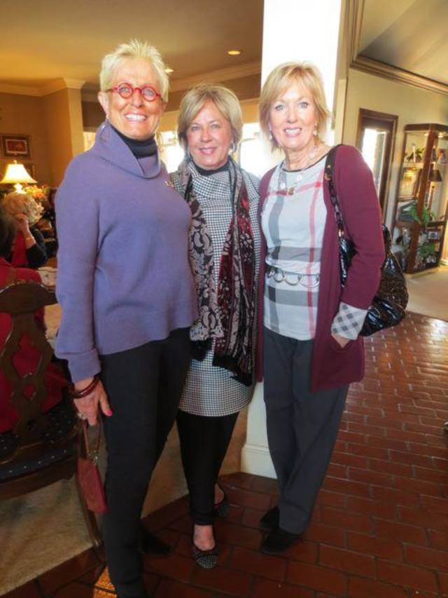 Judi Freyer, Jane Austin, Anne McCurdy were at the party given by Chris Purcell and Donna Hughes. (Photo by Helen Ford Wallace).